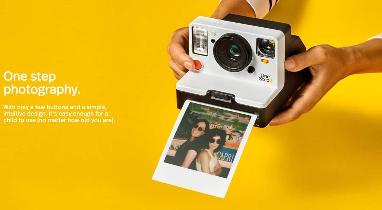 Polaroid ブランドのインスタントカメラ、OneStep2