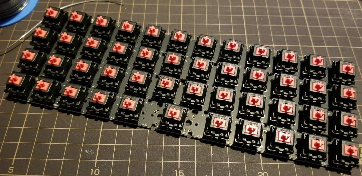 The Planck Keyboard 、無駄を徹底的に省いたキーボードを作ってみた