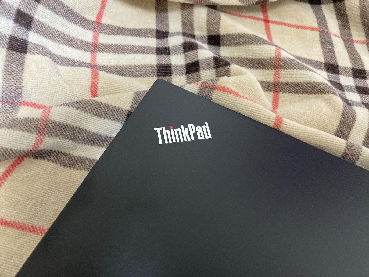 ThinkPad E495 で作る、モバイルESXi環境