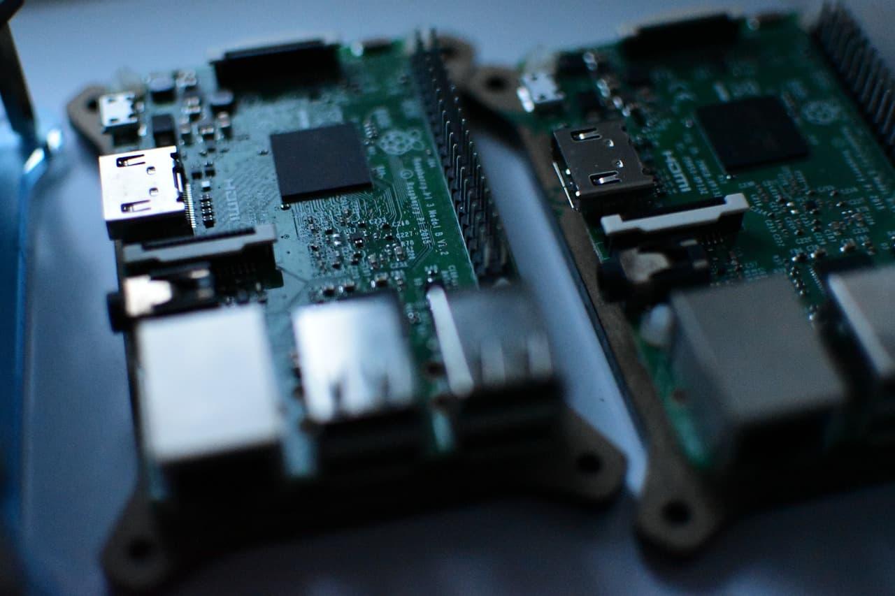 Amazon ECS Anywhere クラスターが気になるので、Raspberry Piクラスタ構成を妄想してみる